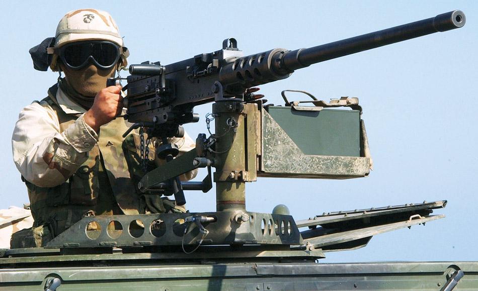Тяжелый пулемет Браунинга М2 вскоре отметит столетний юбилей, но все еще остается актуальным. А ваш iPhone устареет уже через год!