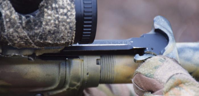 Установка оптики на AR-15 скучна и обыденна благодаря планке Пикатинни, отформованной на аппер-ресивере
