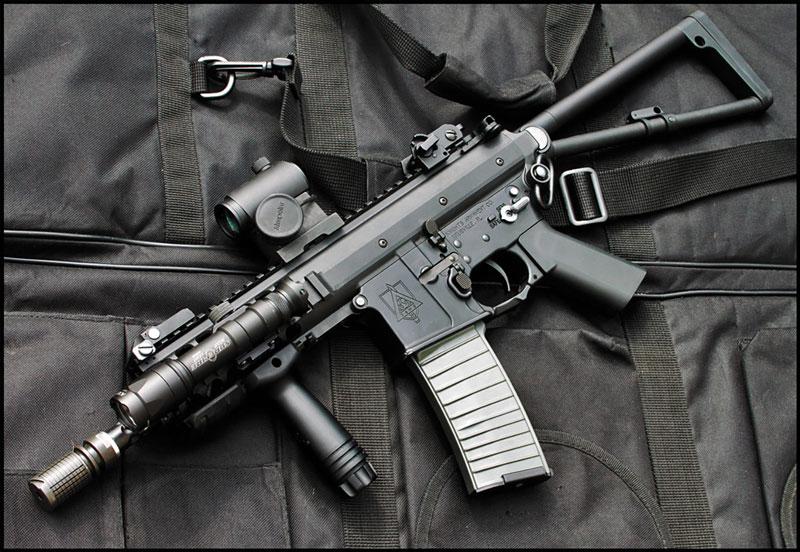 Персональное оружие защиты (PDW) от Knight's Armament Company; калибр — 6x35 TSWG