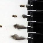 Скоростная съемка отстрела ручки-пистолета