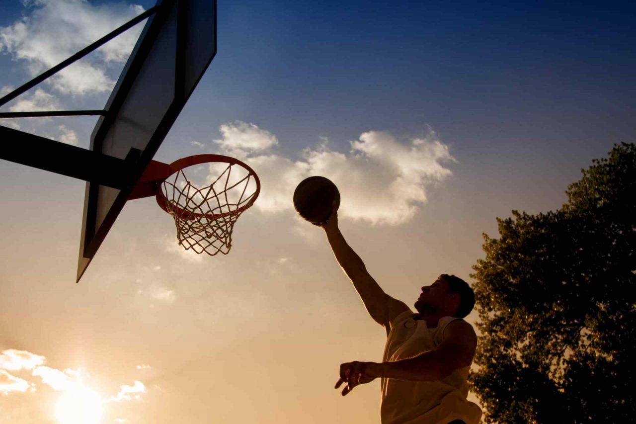https://gunmag.com.ua/wp-content/uploads/2018/01/basketball-documentary-1280x853.jpg