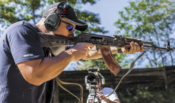 Для прохождения курса не обязательно иметь суперкрутую винтовку