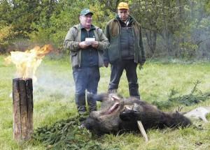 Организатор охоты благодарит участников