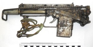 Пистолет-пулемет под патрон 9х18, ствол с шестью левыми нарезами, длина со сложенным плечевым упором — 304 мм