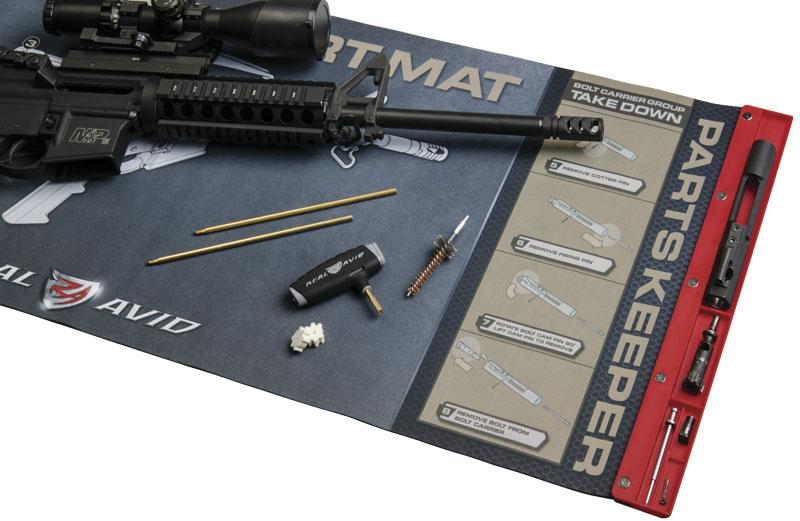 Для каждой детали затворной группы AR-15 есть своя ячейка