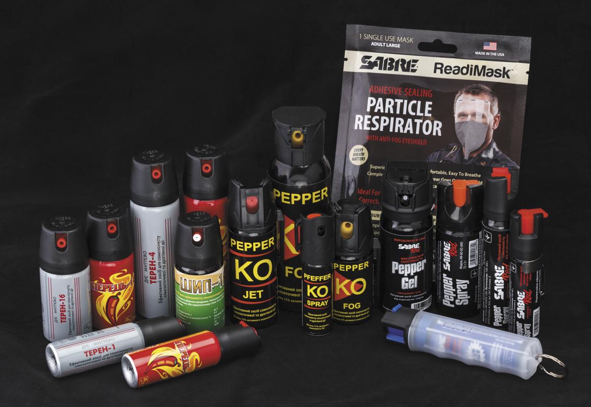 В оружейных магазинах Украины встречаются газовые баллончики как оте- чественного (Эколог), так и зарубежного производства (Sabre Red и Pepper KO)