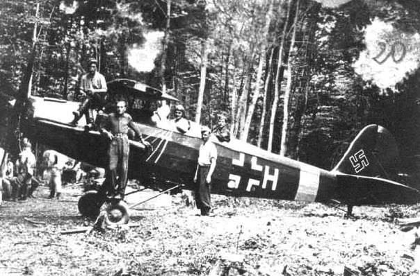 Захоплений бійцями УПА німецький літак Gotha-145