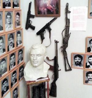 Музей памяти погибших воинов НКР, г. Степанакерт: два ПП «Eagle» и карабин под патрон 5,45х39