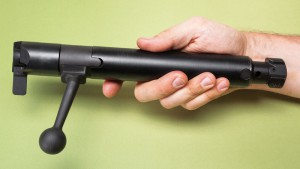 Затвор AR-50A1 — самый крупный и тяжелый из всех опробованных нами вариантов