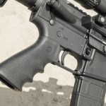 Пистолетная рукоятка от Hogue эргономична и ухватиста