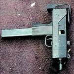 МАС-10, брошенный в «Crown Liquors»