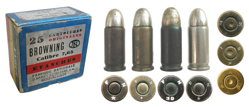 7,65-мм патроны бельгийской фирмы Fabrique Nationale d'Armes de Guerre. В правом нижнем углу— маркировка АЕР на патронах фирмы Anciens Etablissements Pieper
