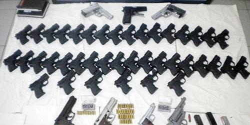 Турция, Дюздже, 2011 г.: задержание полицией поставки 47 пистолетов из aМ906 Турция, Дюздже, 2011 г.: задержаaaние полицией поставки 47 пистолетов из Стамбула, из них 40 — марки Glock, но если присмотреться — опять Zoraki М906