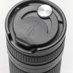 Зарядное гнездо плотно закрыто резиновой заглушкой, поэтому купания «искателю» нестрашны