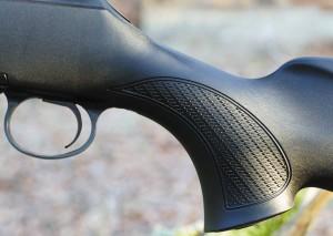 Удобная пистолетная рукоятка сцепкой насечкой
