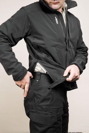 Боковые молнии куртки обеспечивают быстрый доступ к оружию