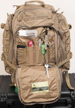 Органайзер рюкзака позволяет четко определить свое место каждому мелкому предмету
