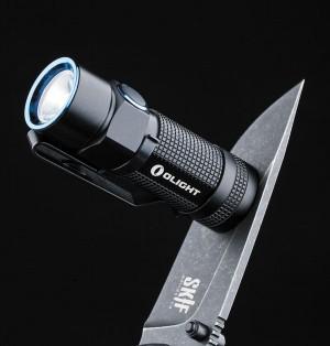 Неодимовый магнит в торце позволяет закрепить фонарь на практически любой металлической поверхности