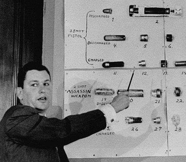 Американские эксперты представляют прессе секретную разработку советских спецслужб