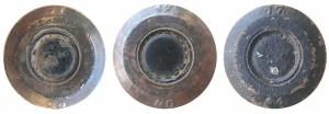 Донная маркировка 7,62-мм патронов БС-40: черная заливка капсюля гильз 1939-1940гг. выпуска, полная заливка дна черной окраской — 1941 г.