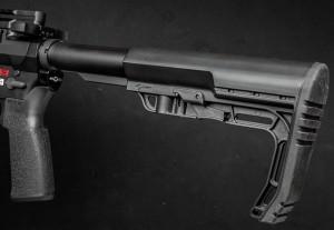 Фурнитура от Mission First Tactical: «кочерга», она же приклад Battlelink Minimalist, ипистолетная рукоятка EPG16V2