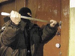 Хищение оружия по предварительному сговору группой лиц— от 6 до 15 лет (ст. 223 УК УССР 1960 года)