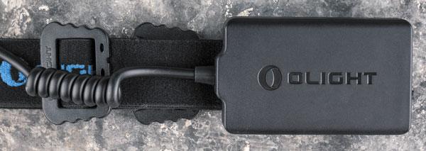 Выносной аккумуляторный блок имеет небольшие габариты, благодаря чему совершенно не стесняет пользователя