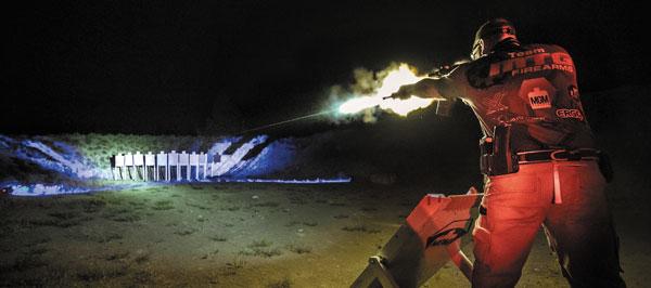 В динамических видах стрельбы мишени обычно имитируют вражеских стрелков, поэтому сверхточных попаданий не требуют— как, впрочем, и сверхдальних