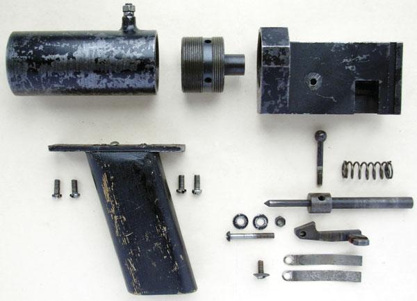 Полная разборка гранатомета; модификация снаклонной деревянной рукояткой (коллекция оружия ГНИЭКЦ МВД Украины)