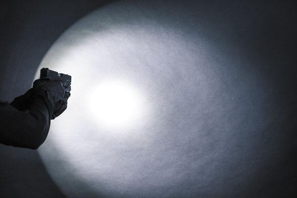Оптическая система создает умеренный переход в яркости от центрального светового пятна к периферийной (боковой) засветке