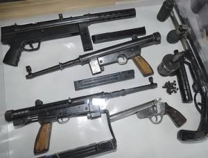 Пистолеты-пулеметы Zagi (вверху) и Alar (Хорватия, 1991-1995 гг.)