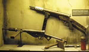 Польские пистолеты-пулеметы Blyskawica и STEN