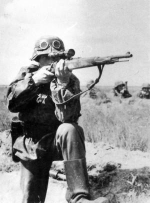 Карабин Mauser 98k соптическим прицелом