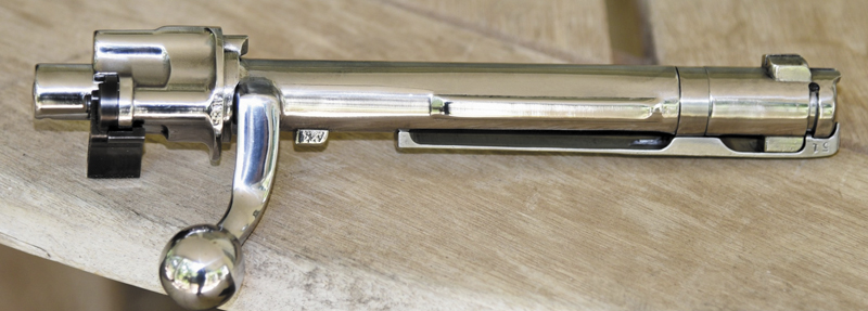 мощный экстрактор затвора Mauser98 гарантирует выброс стреляной гильзы