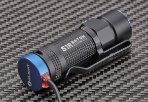 Магнитное зарядное устройство — одно из самых удобных решений для перезаряжаемых фонарей
